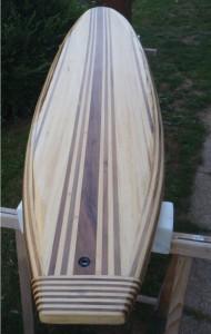 Prvi leseni surf v domači izdelavi